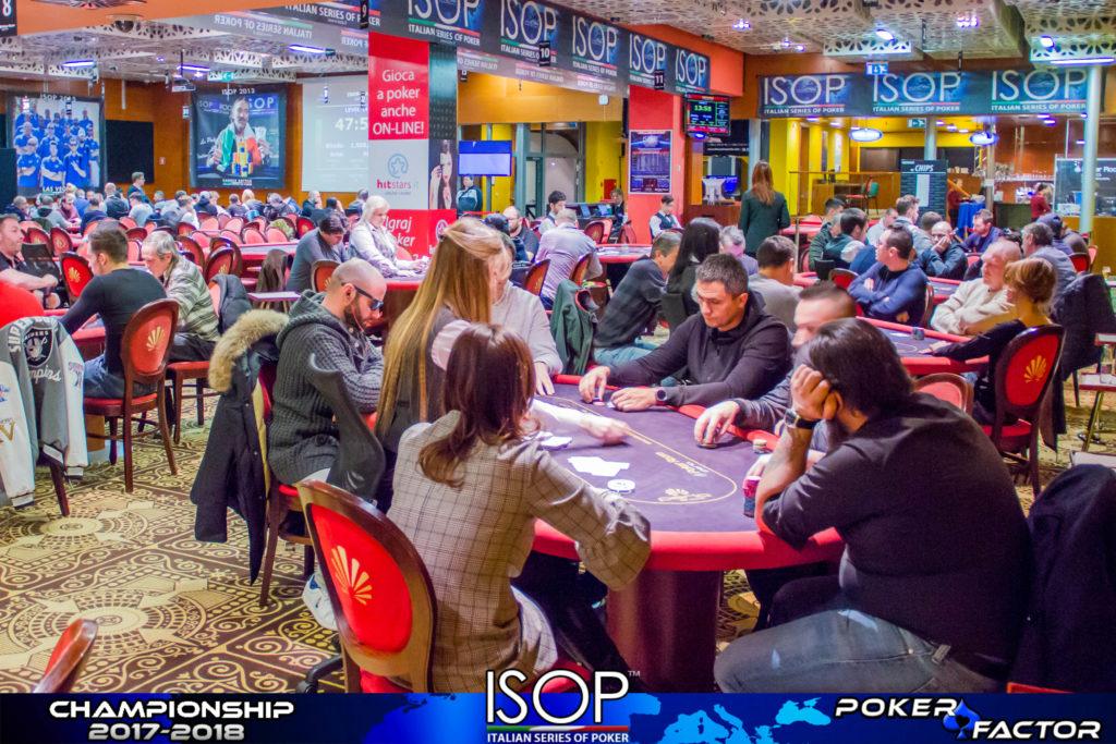 come si gioca a poker