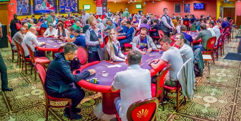 panoramica sala piena day 1b 1c isop championship 2018-2019 evento 1 agosto settembre