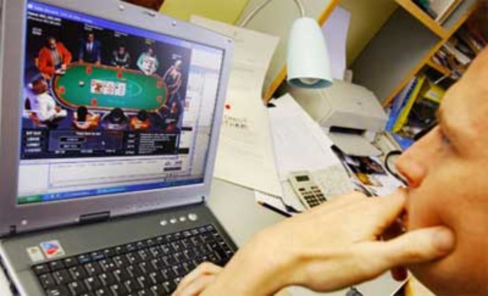 Giocare-a-poker-online